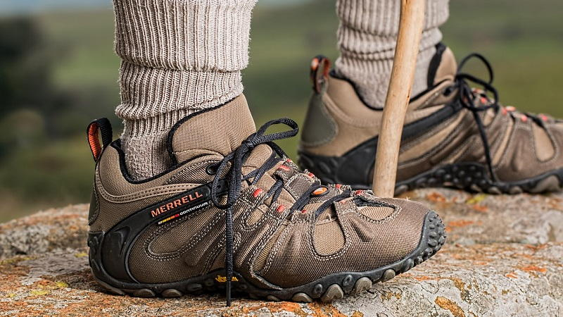 how to prepare your feet for a long hike