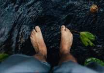 big toe crossing over second toe